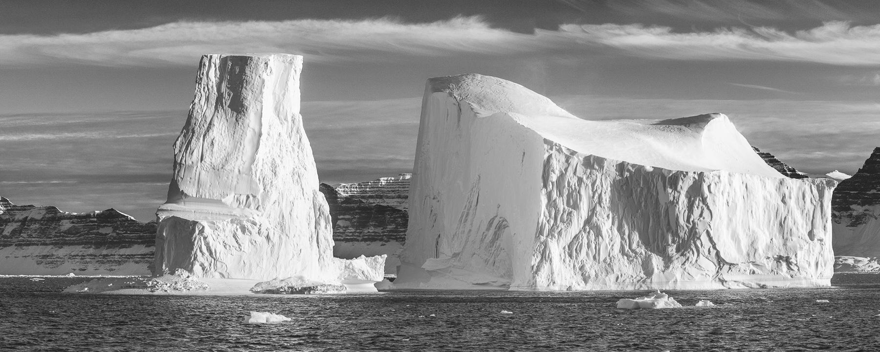 icebergs bw