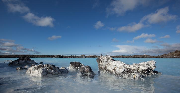 I området omkring den blå lagune kan landskabsfotografen bruge mange timer.